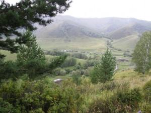 Вид с верха участка на село Сараса